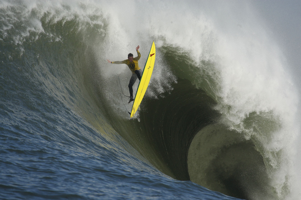 YE_Big_Wave_Contest_Surfing_NYYE386