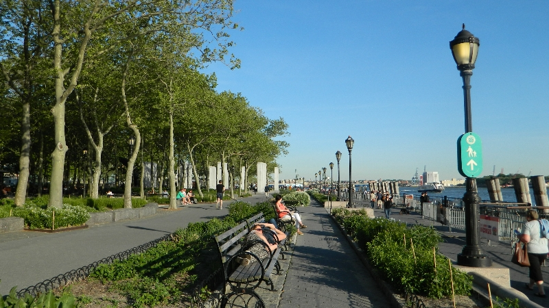 Battery park jardines junto al r o en nueva york blogs for Jardin new york