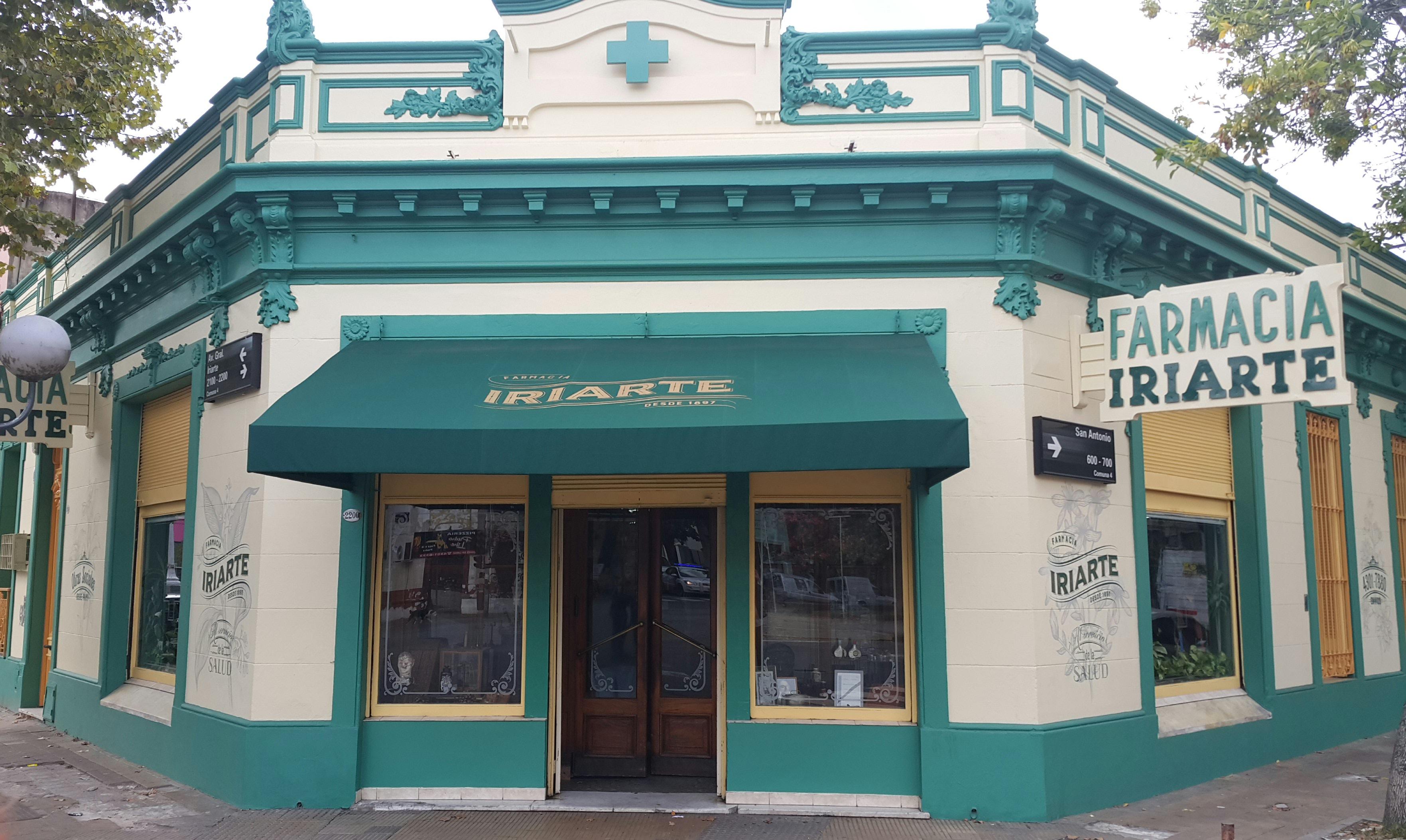 fue fundada en marzo de y conserva en su interior como algunas otras farmacias de buenos aires el mobiliario y las carpinteras originales
