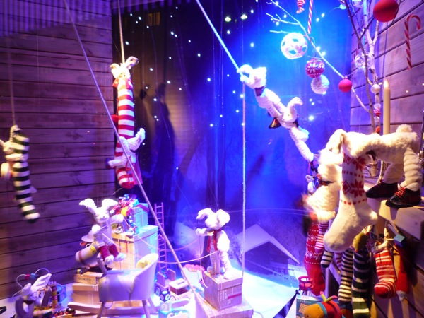Navidad blogs for Decoracion de vidrieras de ropa